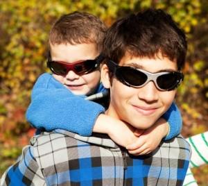 Детские солнцезащитные очки - как подобрать?