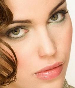 Каре-зеленые глаза, фото