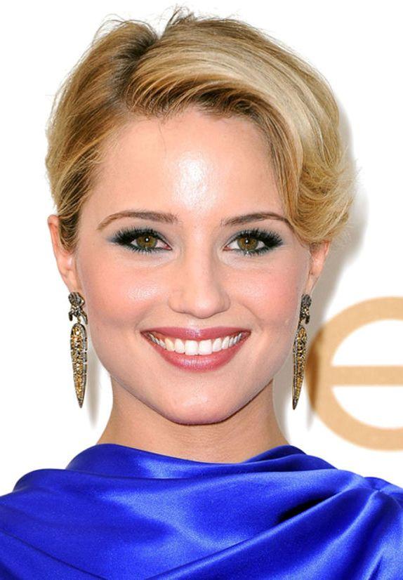 какой макияж сделать под синее платье
